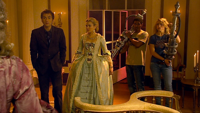 Doctor Who (2005) -2x04- The Girl In The Fireplace -10-