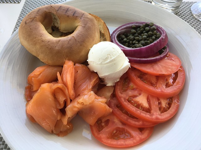 Smoked salmon plate - Escena Lounge & Grill