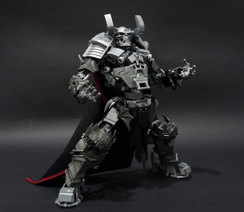 skull knight (custom built Lego model)