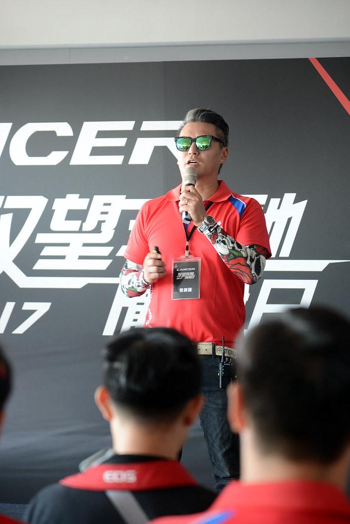 三菱 2017 LANCER 馭望奔馳大鵬灣