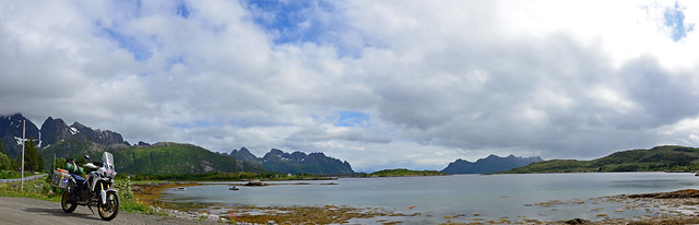 lofoten pano with bike