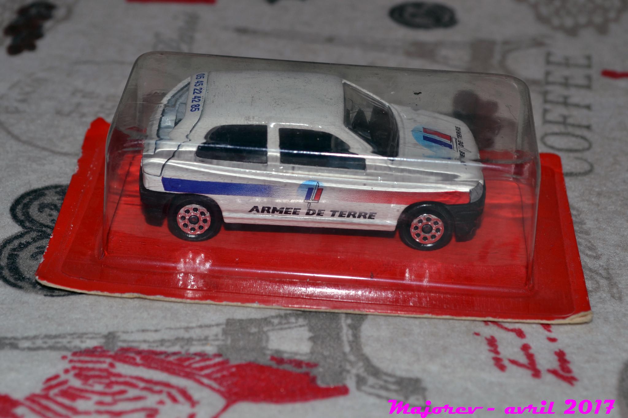 N°270 - Renault Clio I 35294803814_fe74e38d75_k