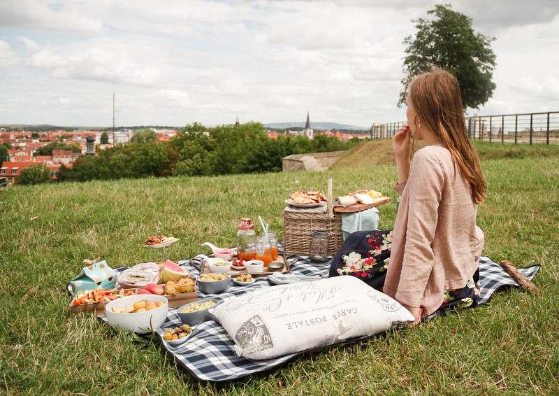 Sommerliche-Tea-Time-Picknick