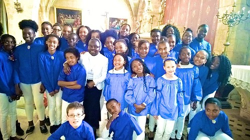 Mary Jo Abba SSL who founded the St Louis Youth Choir in in 2014 in Étampes, with the members of the choir after their first ever concert in 2017