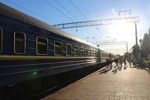 З Рівного їздитиме потяг до Харкова. До Києва рейсів поменшає