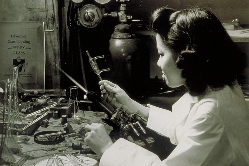 Laboratory Glass Blowing
