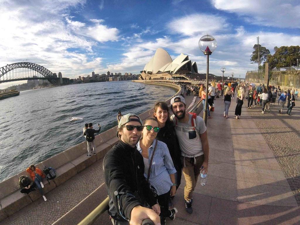Sydney - Les Gros Sacs et Camille et Clement