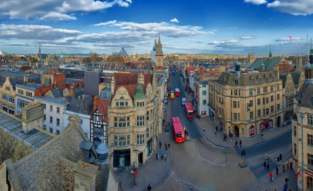 Oxford from Carfax Tower. Credit chensiyuan
