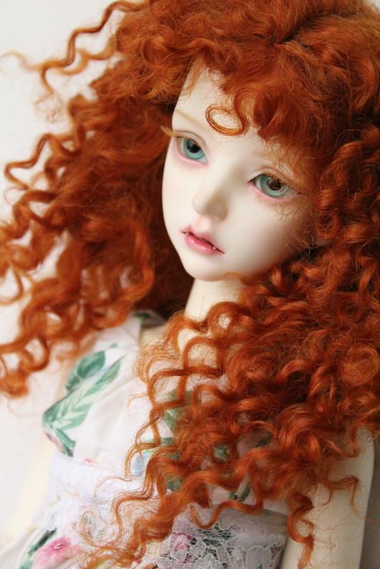 x Maskcat Lisette Blue Blood Dolls Red wig (2)