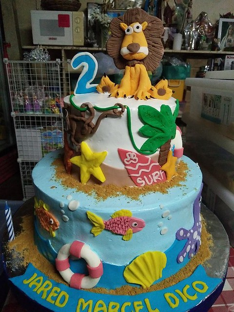 Cake by Malou's Cakes & Pastries