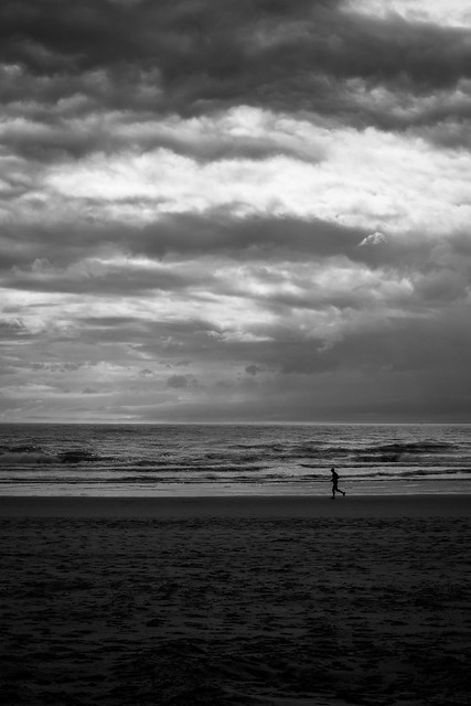 A cloudy running [explored], Canon EOS 600D, Canon EF 35mm f/2
