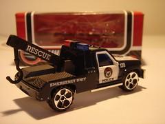 REALTOY GMC SIERRA NO20 TOW TRUCK POLICE EMERGENCY UNIT MATCHBOX COPY 1/64