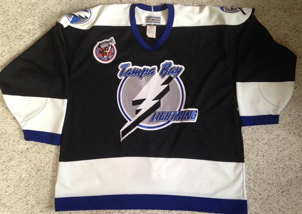 1992-93 Tampa Bay Lightning Away Jersey Front