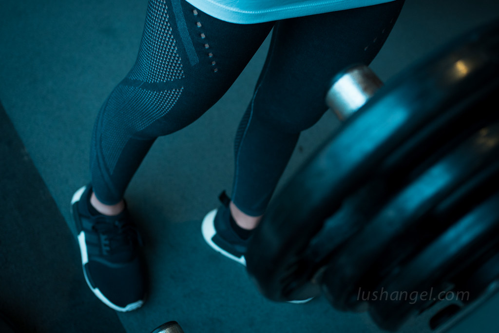 adidas-compression-warp-knit-leggings