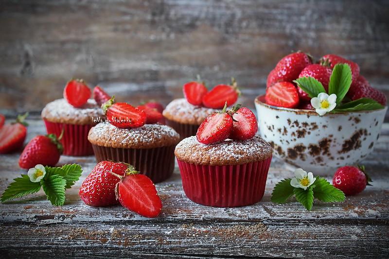 ...strawberry muffins