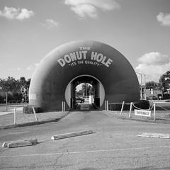 the donut hole. la puente, ca. 2008.