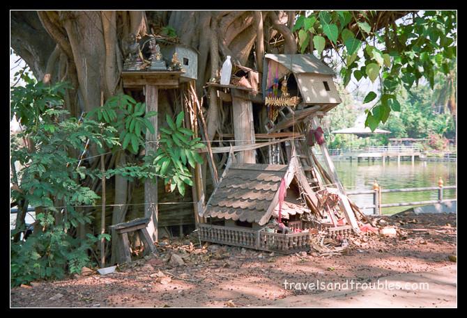 Verlaten spirithouses