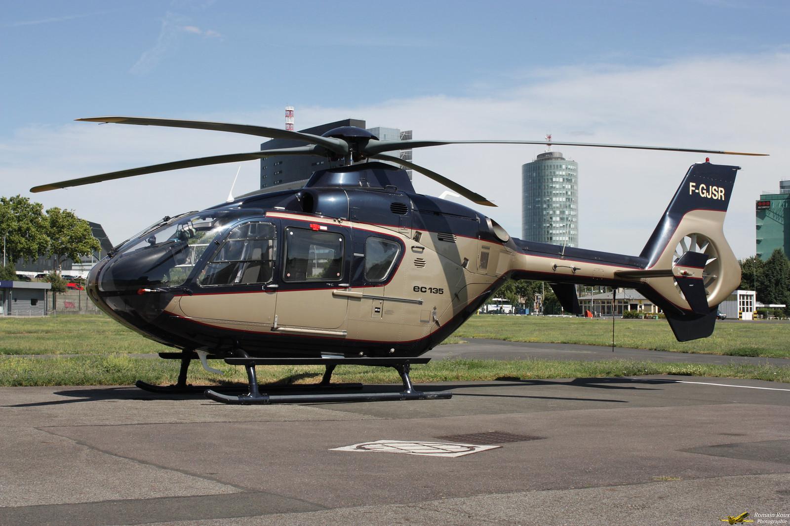 Héliport de Paris - Issy-les-Moulineaux - LFPI 36029981536_c9041855cc_h