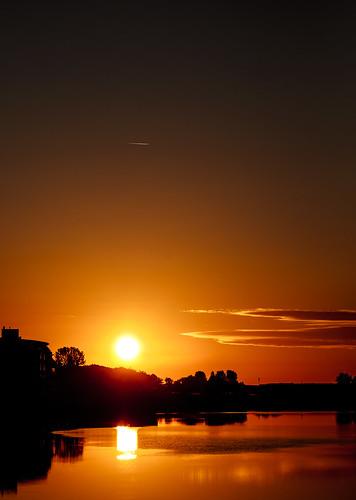 fujifilm xt1 fujinonxf90mmf2rlmwr sunrise dawn morning red water calm mirror serene zen quiet nature outdoor canal contrail middelburg walcheren zeeland nederland netherlands holland dutch
