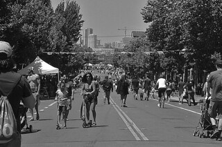 Sunday Streets Mission - Valencia St bw