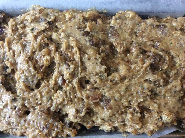 Hemp and mulberry tea loaf