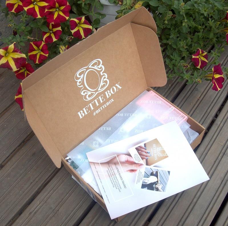 Elokuun Bette Box