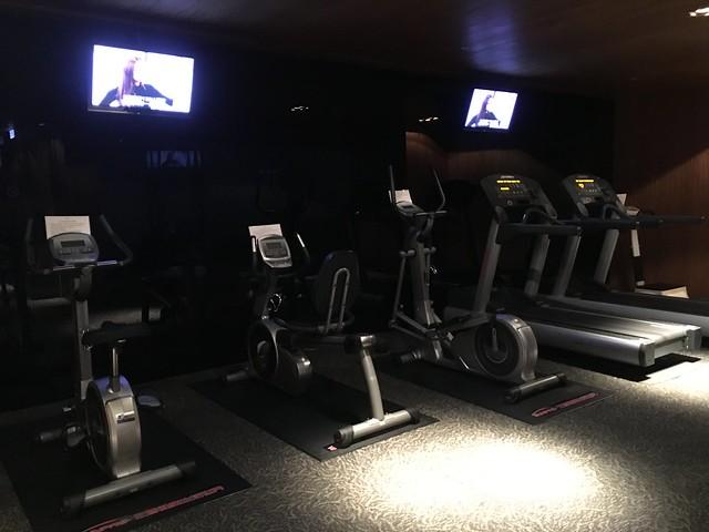 健身房,有跑步機等等基本的健身設施@高雄Hotel dùa住飯店