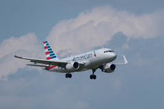 American Airlines Airbus A319-115(WL) N90024