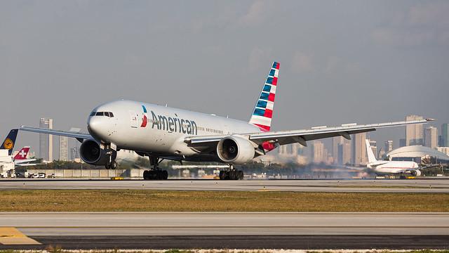 02092017_American Airlines_N792AN_B772_KMIA_NAEDIT