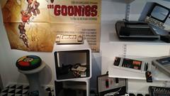 Étagère de consoles des années 70-80 (partie de gauche)