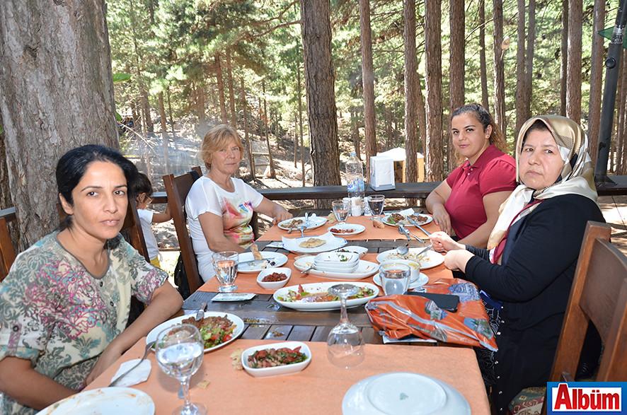 Lütfiye Aslan, Zahide Sözan, Sevim Ergin, Ayşe Eroğlu