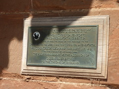 Photo of Kenilworth Castle and Elizabeth I of England bronze plaque