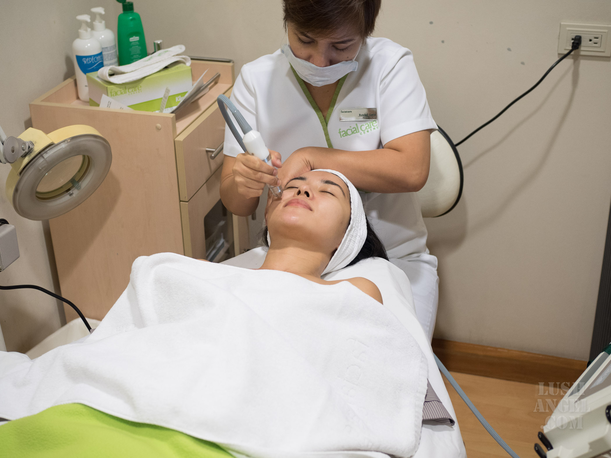 facial-care-centre-oxygen-cell-renewal-therapy-review