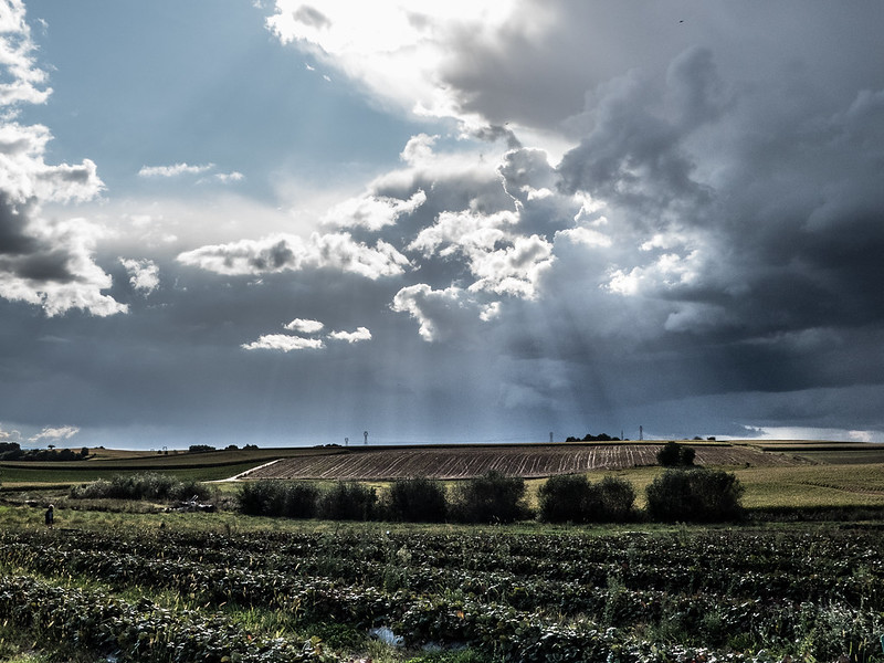 Soir d'orage (sans désespoir ...) 37076754842_e97f4e9647_c