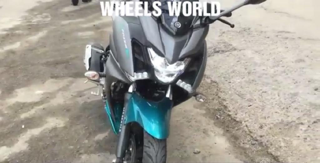 Yamaha-Fazer-250-spied-walkaround-front