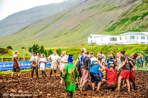 Mýrarboltinn, Mud football in Bolungarvik