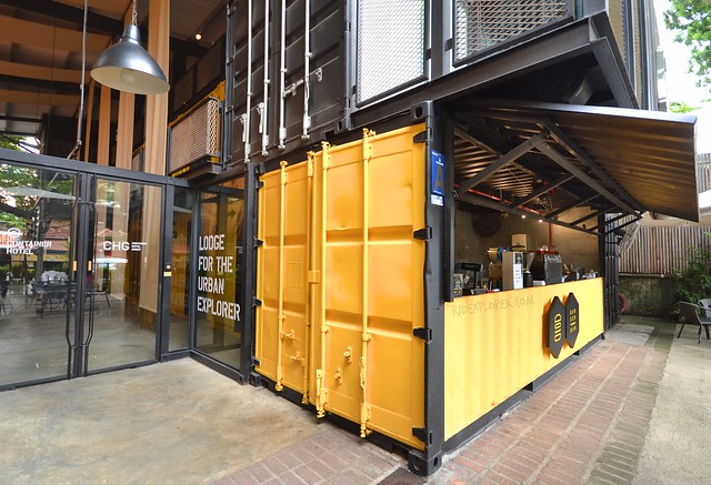 container hotel kuala lumpur burger bar
