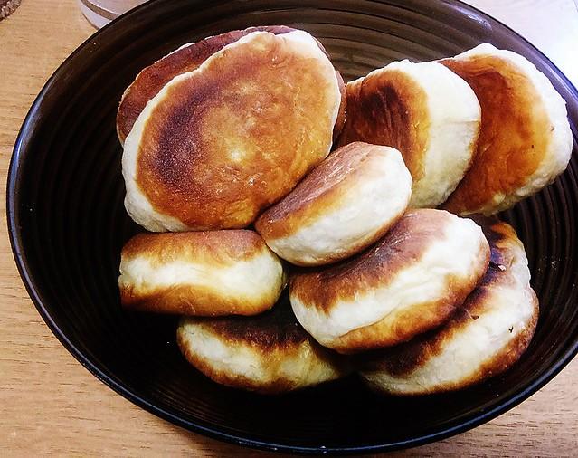 Пирожки с печенью и баклажанами