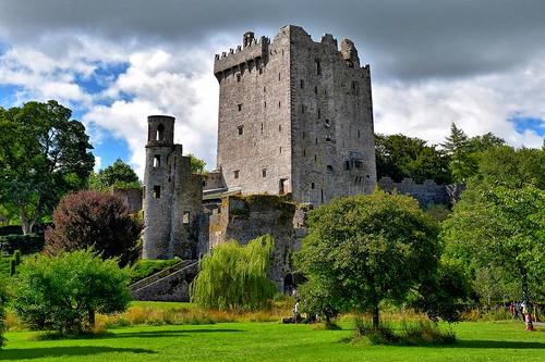 castle blarney stone garden ireland cork country ruin ancent hdr nikon d5500 sky cloud summer holiday history legend legendary travel visit