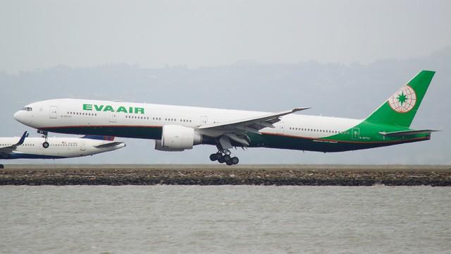EVA Air Boeing 777 -300 B-16731  DSC_0019