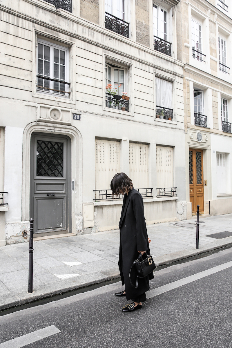 bally buckle bag loafers all black minimal work outfit street style paris fashion blogger kaity modern legacy Instagram (13 of 18)