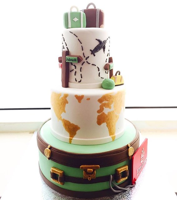 Cake by Annette Cakes Dubai