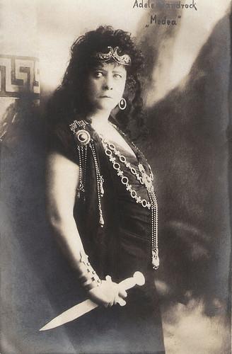 Adele Sandrock in Medea
