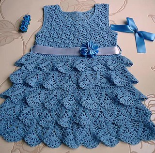💙👗💙 as I was happy to find this model with step by step, I loved this very charming crochet dress