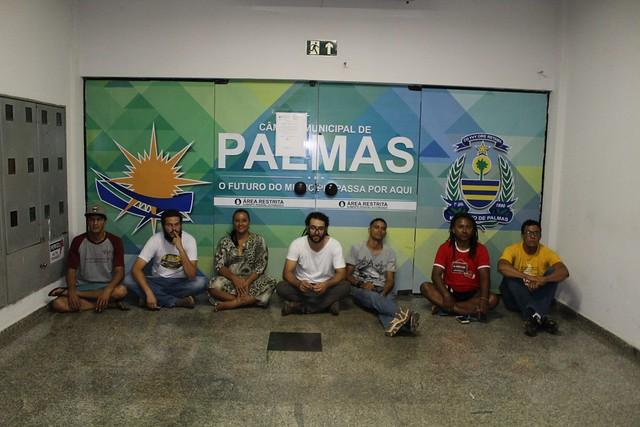 Após dias de greve de fome, os professores estão bem debilitados segundo relatos recebidos pela reportagem - Créditos: Divulgação