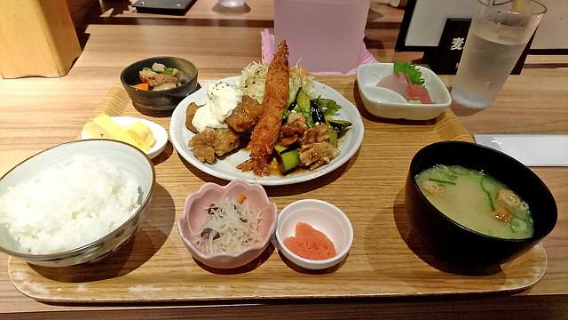 七色定食 in 七色食堂