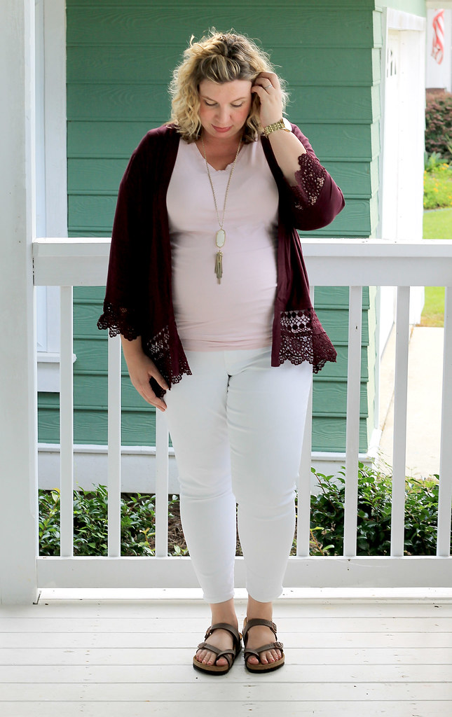 garnet kimono, maternity pink tee and white jeans 3