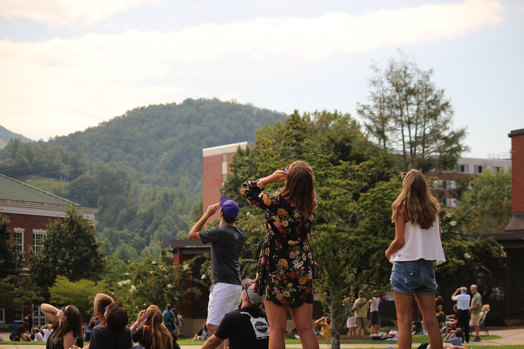 Students watch the eclipse at WCU