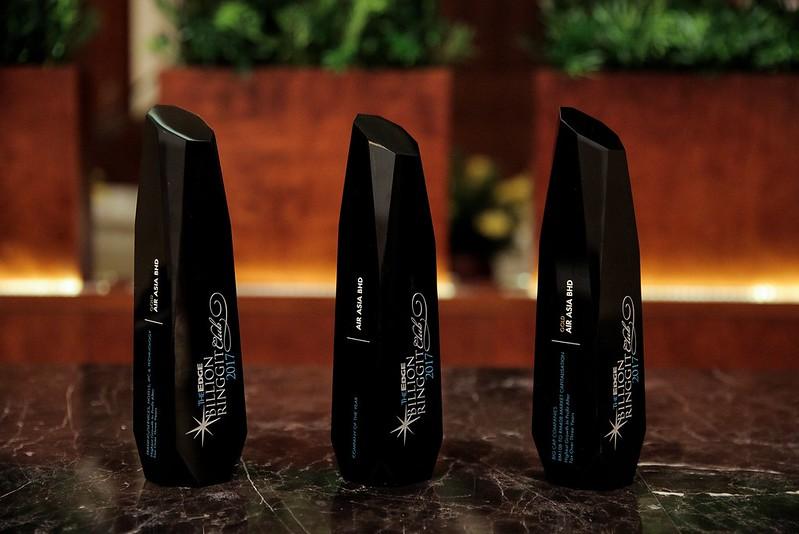 Airasia Wins The Edge Billion Ringgit Club Company Of The Year Award