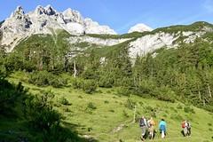 Wanderung Trekking Zugspitze. Aufstieg nach der Reintalangerhütte zur Zugspitze. Foto: Dr. Hedwig Weisser.